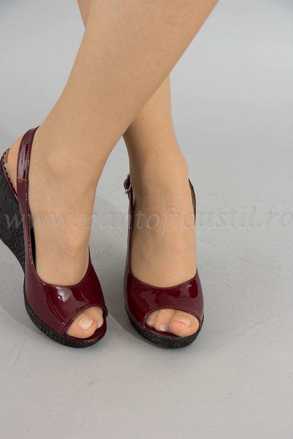 Sandale Cu Talpa Ortopedica Din Piele Lacuita