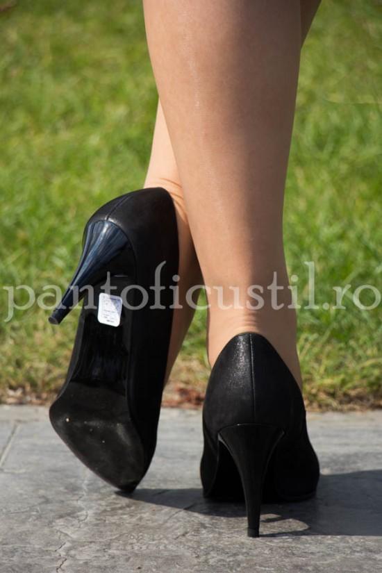 Pantofi eleganti din piele texturata neagra