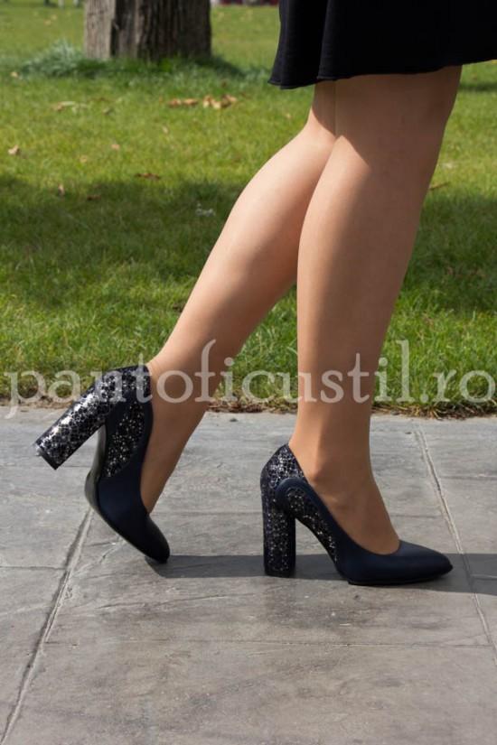 Pantofi eleganti cu toc inalt si gros din piele naturala bleumarin