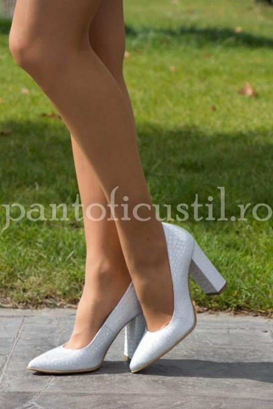 Pantofi stiletto cu toc gros din piele  naturala alba