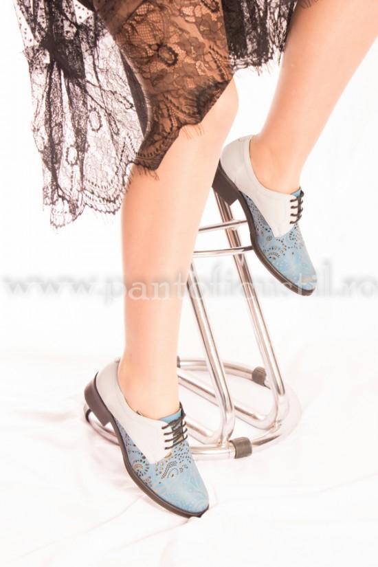 Pantofi bleu din piele naturala cu perforatii