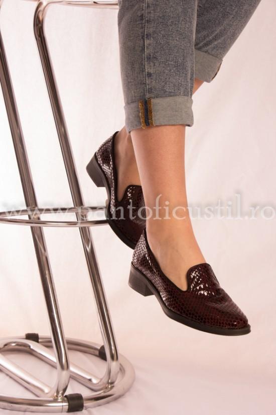 Pantofi visinii din piele naturala
