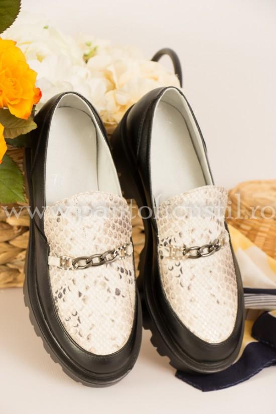 Pantofi dama tip Loafers din piele naturala