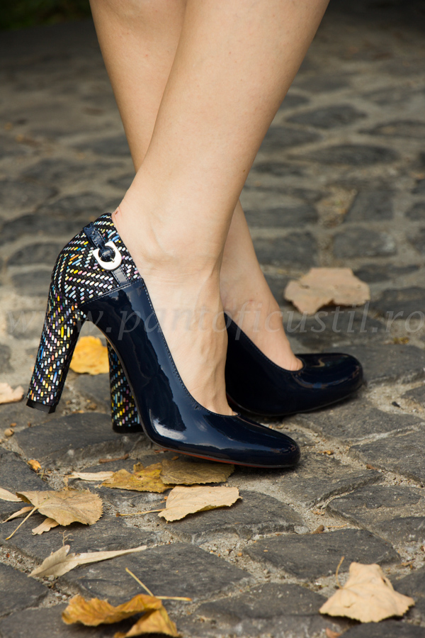 super popular neted vânzare profesională Pantofi Eleganti Din Piele Lacuita Bleumarin Si Piele Multicolora