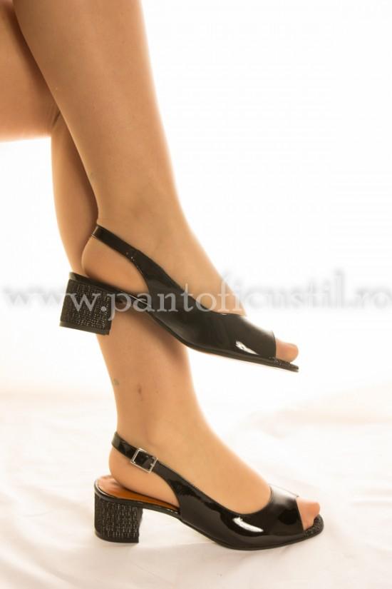 Sandale elegante cu toc mic din piele
