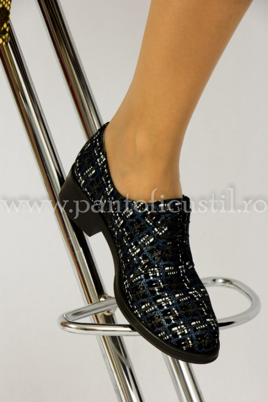 Pantofi talpa joasa cu siret din piele imprimata