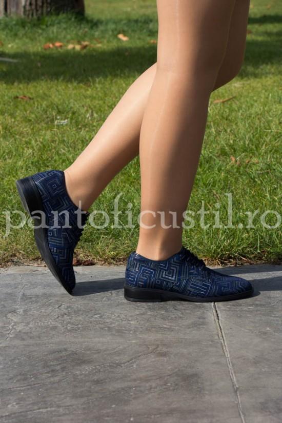 Pantofi Oxford din piele bleumarin cu imprimeuri grafice