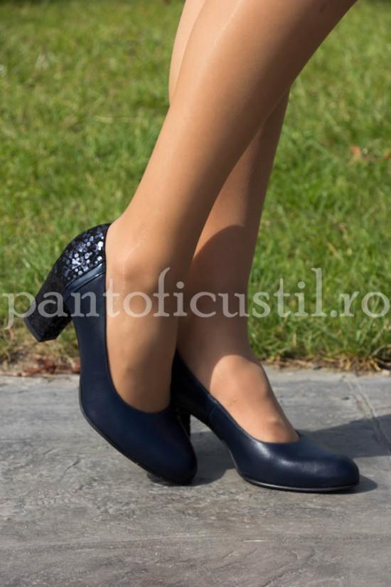 Pantofi bleumarin din piele naturala cu toc de 7 cm