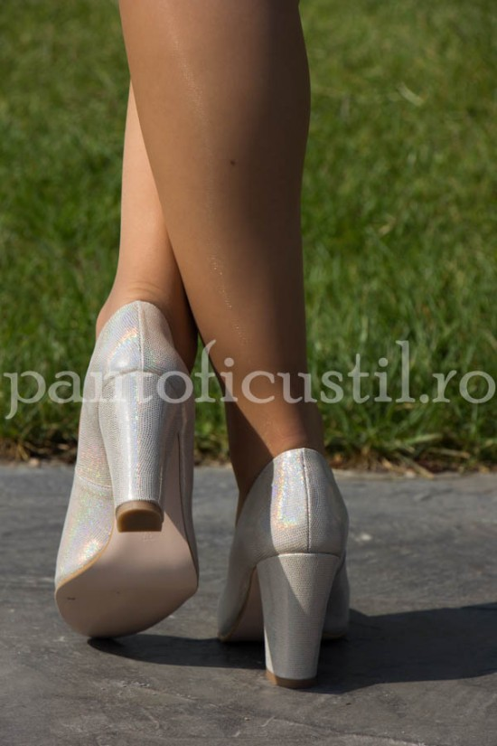 Pantofi de ocazie din piele aurie cu toc gros