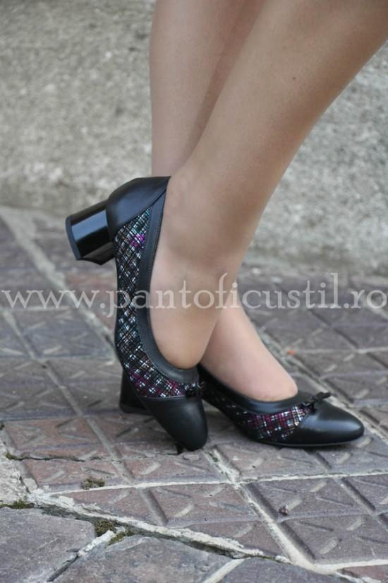 Pantofi comozi din piele neagra marimea 36 cu pret redus