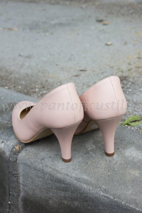 Pantofi din piele nude marimea 34 cu pret redus