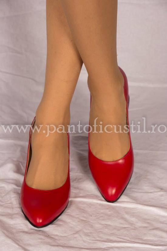 Pantofi rosii din piele cu toc gros