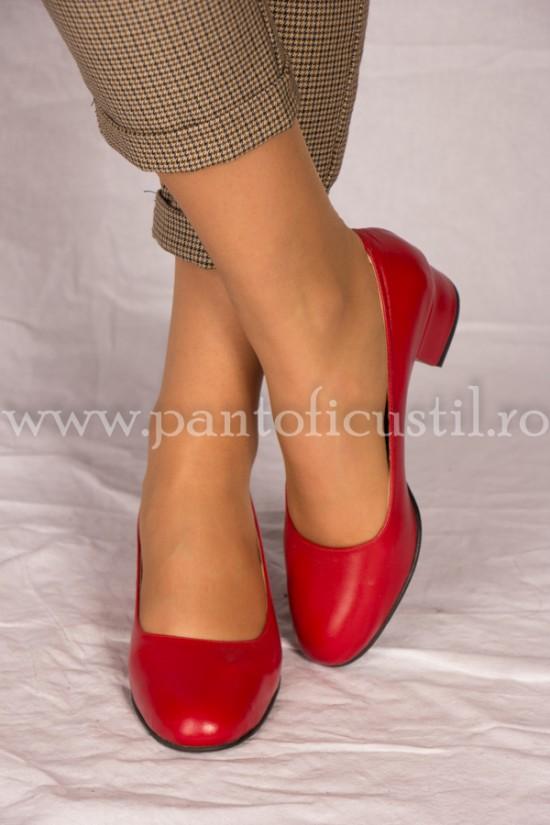 Pantofi rosii din piele cu toc mic