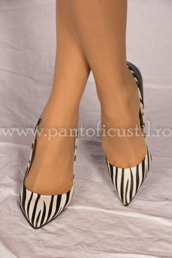 Pantofi stiletto din piele  imprimeu zebra