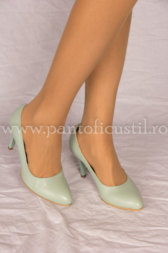 Pantofi stiletto din piele verde menta cu toc mediu