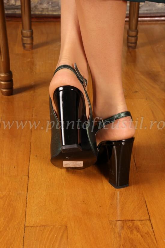 Sandale elegante cu toc gros din piele verde sidef