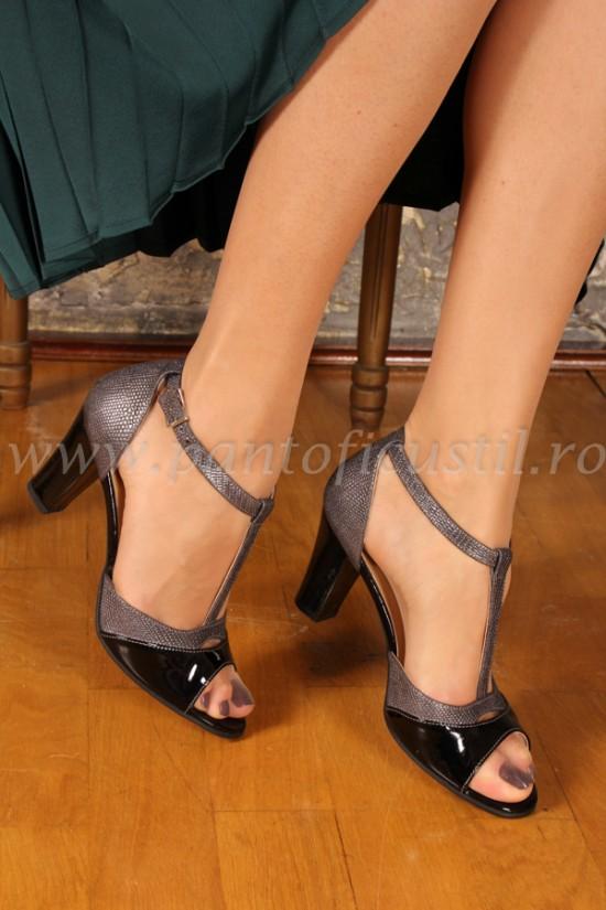 Sandale elegante din piele cu aspect metalic
