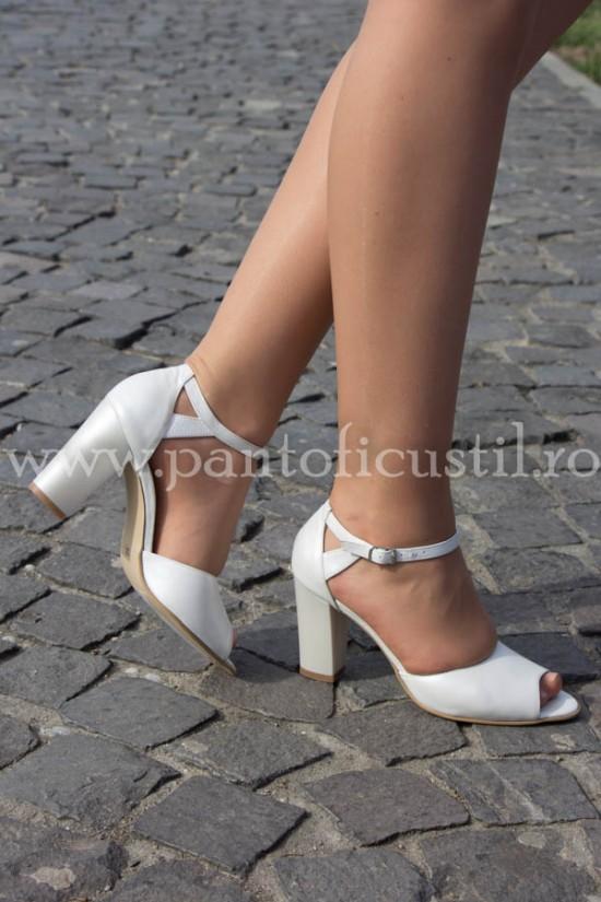 Pantofi de mireasa comozi