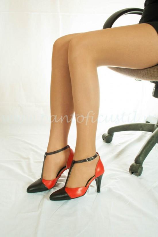 Pantofi decupat lateral cu toc conic de birou