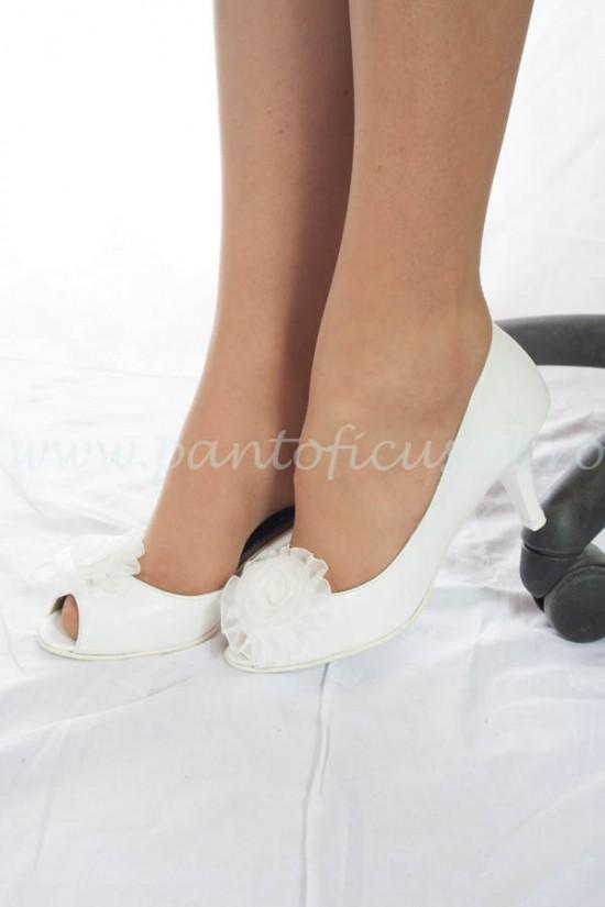 Pantofi de mireasa cu toc mic