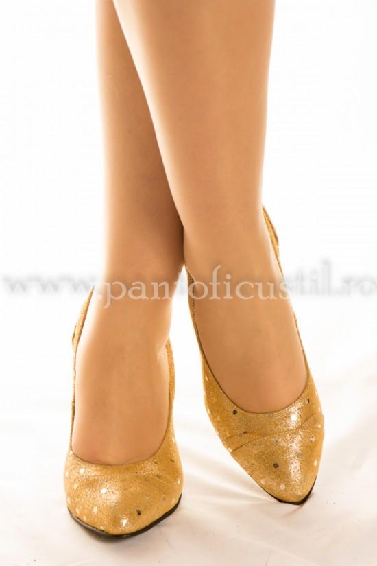 Pantofi de ocazie  marimea 37 din piele aurie cu pret redus